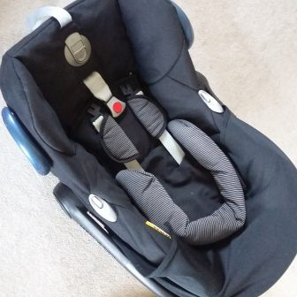Cabriofix with newborn insert