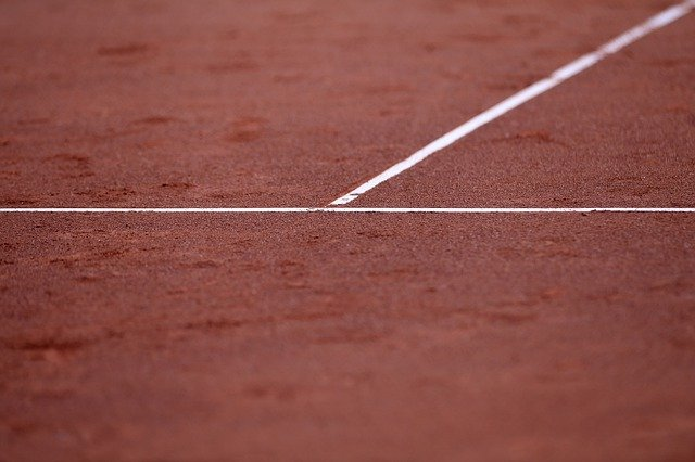 clay court close up